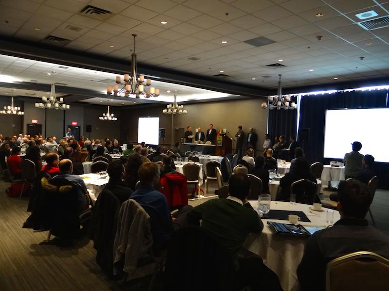 Salle du colloque sur les plantations tenu à l'hôtel Clarion (Québec) les 18 et 19 mars 2015. (Photo: E. Alvarez)