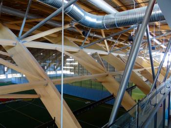Arches en bois au Stade Telus (Université Laval - Photo E. Alvarez)