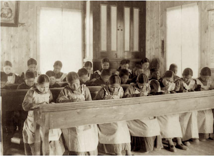 Période d'étude au pensionnat indien catholique de Fort Resolution